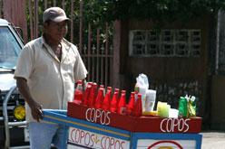 Auch in Aguas Zarcas bekommt man erfrischende Granizados auf der Strasse verkauft.