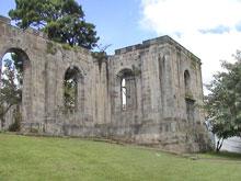 Die Ruinen der ehemaligen Kirche.