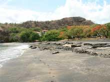 Die Sandbucht von Playa Ocotal.