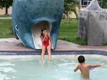 Die Rutsche im Kinderschwimmbecken im Parque Marino del Pacifico, dem Aquarium in Puntarenas.