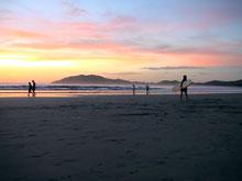 Atardecer en la playa de Tamarindo.