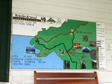En la entrada se encuentra un panel de información con el mapa de los senderos.