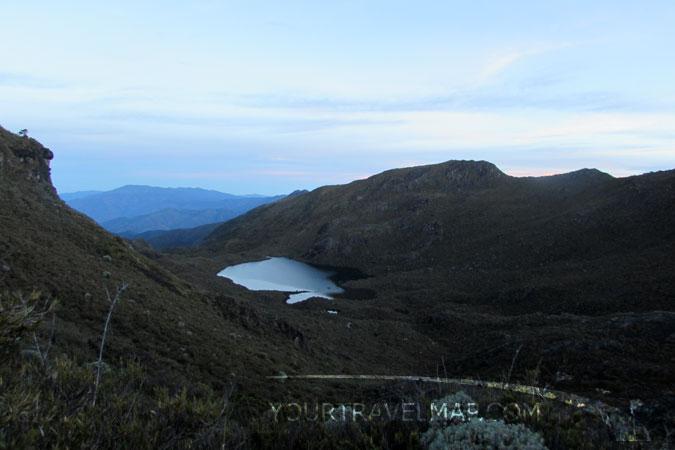 La vista sobre el Lago Chirripó.