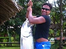 En Tortuguero se puede pescar el tarpon. Es un pez de gran tamaño, puede alcanzar un tamaño máximo de 2,5 metros!