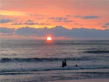 El atardecer en Playa Jacó.