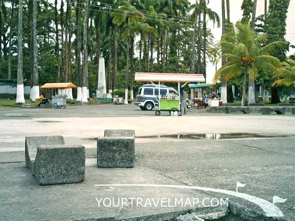 El bulevar y el Parque Vargas en Limón.
