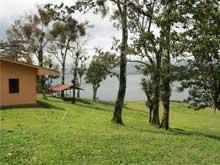En Nuevo Arenal existe una rampa para barcos, el uso es gratuito.