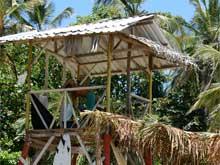 El torre de los salvavidas situado en Playa Cocles.